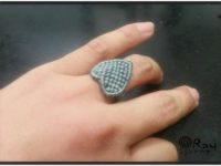 Knot-craft-making-a-heart-shape-ring