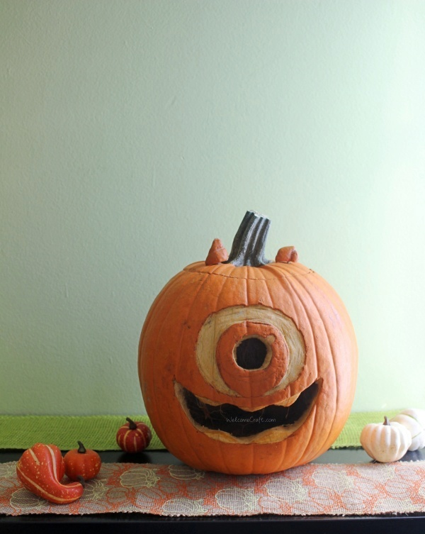 DIY Halloween Pumpkin-Carving Decorations